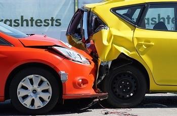 poškození auta